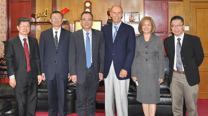 President of the Kavli Foundation visits Peking University